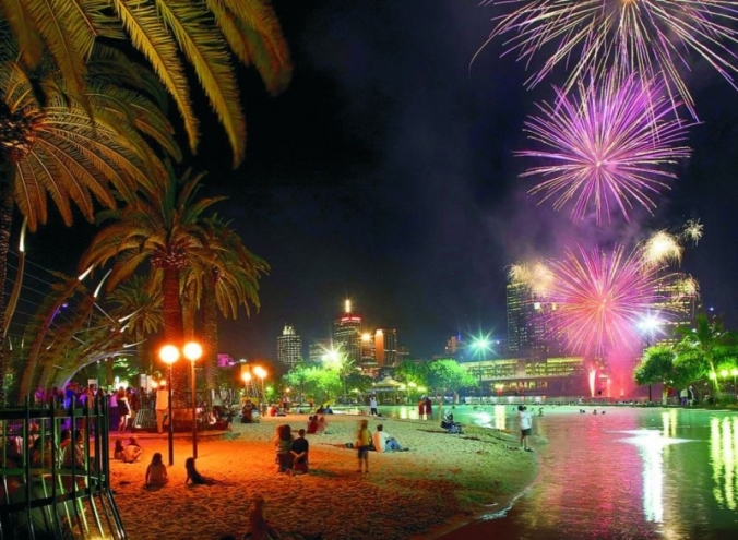 southbank-beach-fireworks-night